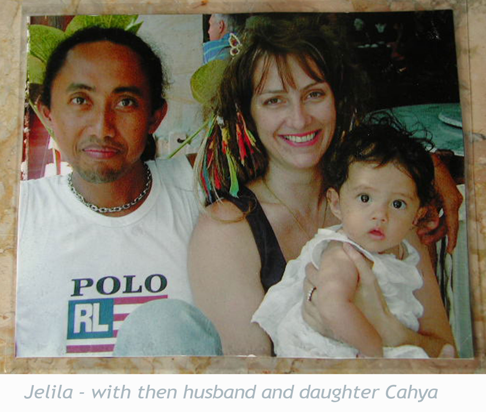 Jelila-with-then-husband-and-daughter-cahya